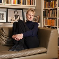 siri hustvedt essays 2012 Siri hustvedt (born february 19, 1955) is an american novelist and essayist hustvedt is the author of a book of poetry, five novels, two books of essays, and a work.